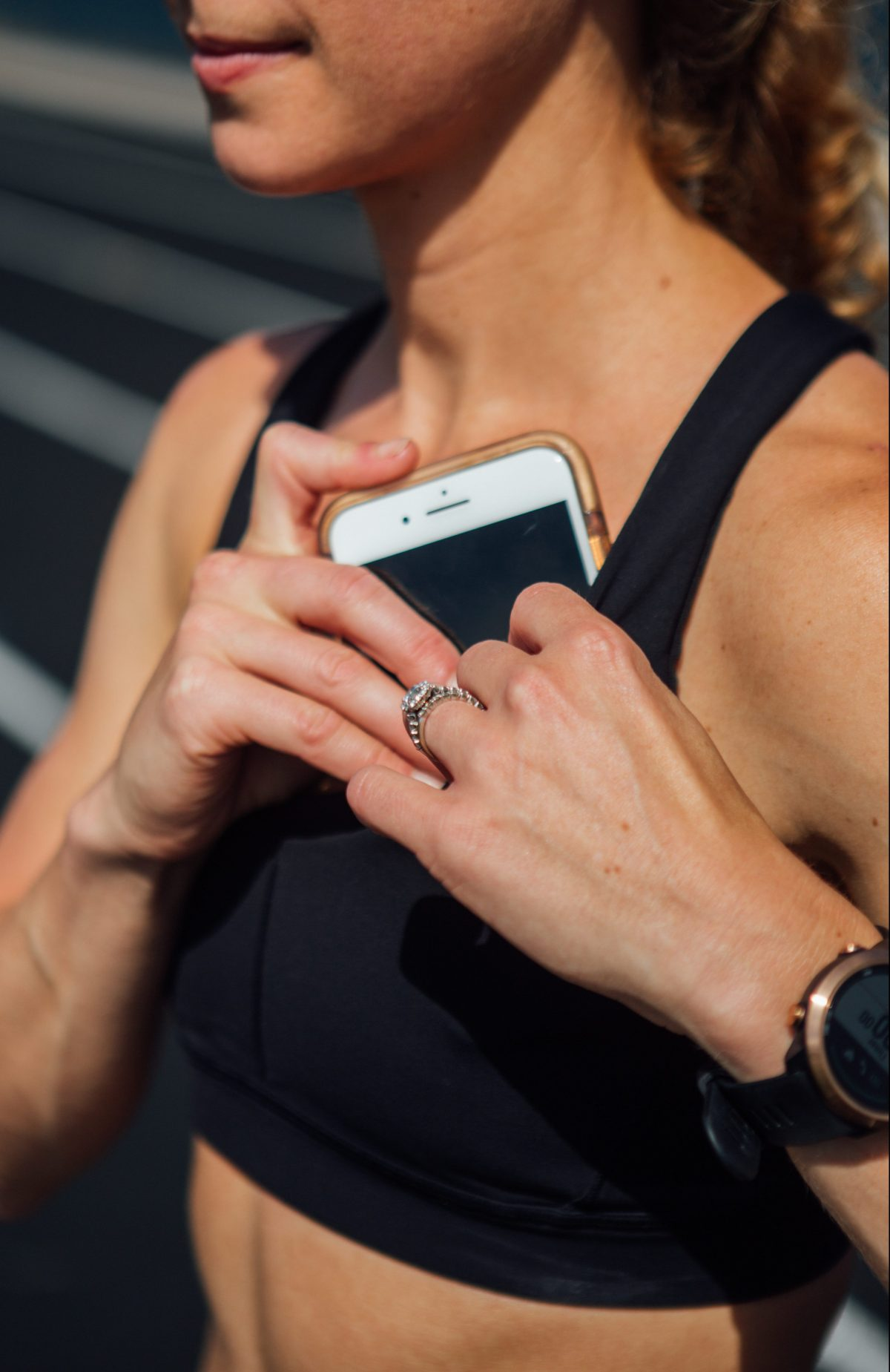 The best running gear that holds your phone